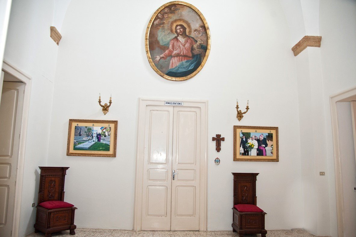 Quadri visita del papa esposti in Curia (5)